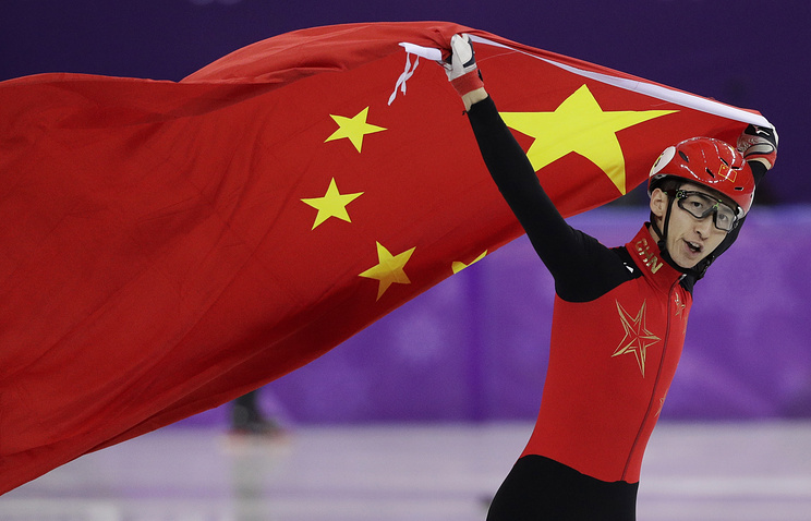 Chinese skater breaks world record twice to win gold
