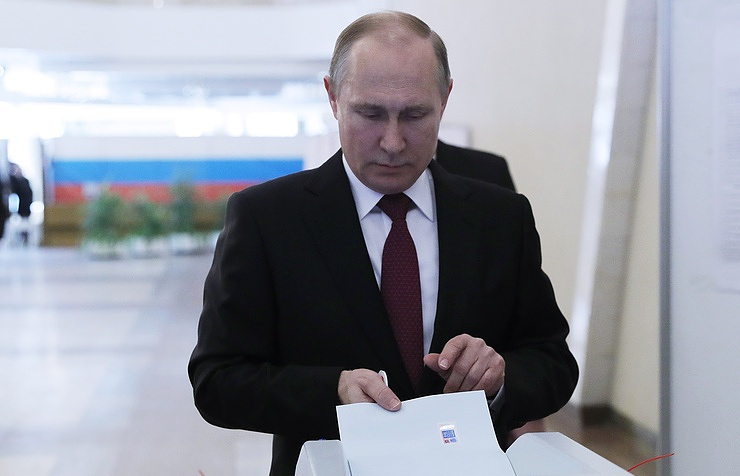 Russia: Putin Wins Fresh Six-Year Term