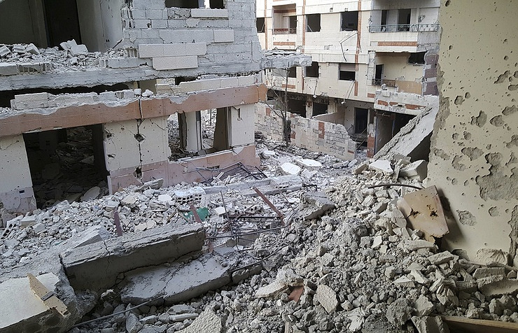 Syria war: 'Deal struck' to take critically injured out of Douma