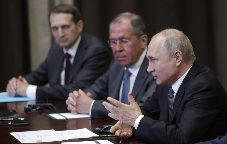 Russian Foreign Intelligence Service Chief Sergey Naryshkin, Russia's Foreign Minister Sergey Lavrov and Russia's President Vladimir Putin at the meeting with US Secretary of State Michael Pompeo