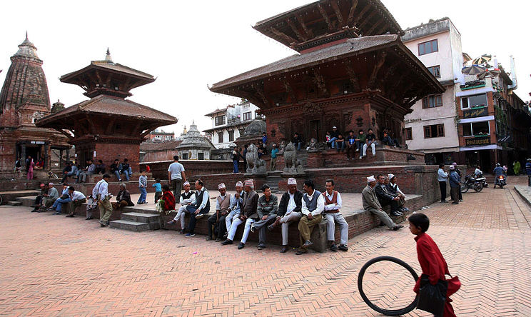 A combo of a picture (above) taken on 2008 April showing the Patan Durbar Square in Kathmandu, Nepal before the 25 April 2015 earthquake and a picture (below) taken on 20 May 2015 showing the Patan Durbar Square in Kathmandu after the April 25 earthquake. The death toll rose to 117, authorities said, separate from the 8,202 victims claimed by the April 25 earthquake. EPA/HARISH TYAGI