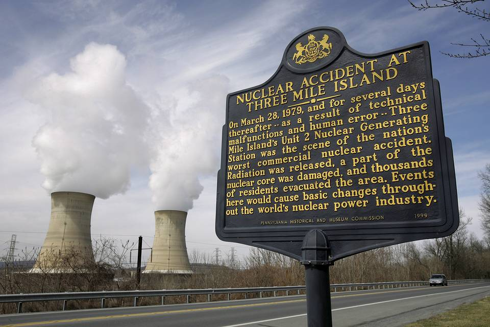 A memorial sign across the road from the Three Mile Island nuclear power generating facility in Middletown, USA EPA/CHRIS GARDNER