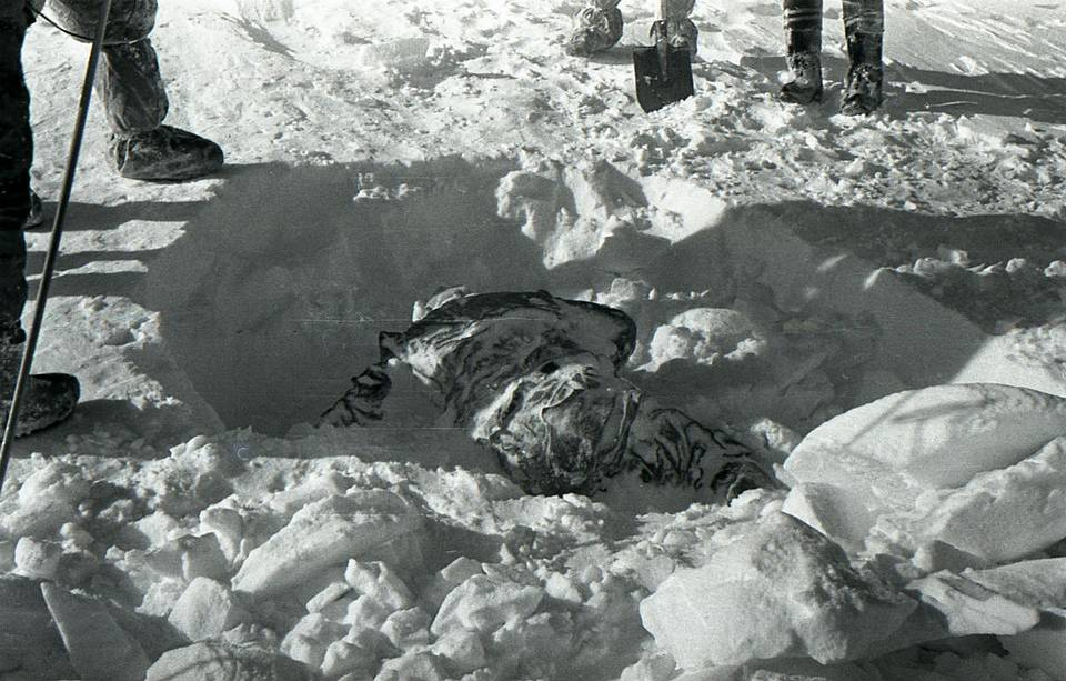 View of one of the bodies found by Soviet authorities, buried in the snow wikimedia.org
